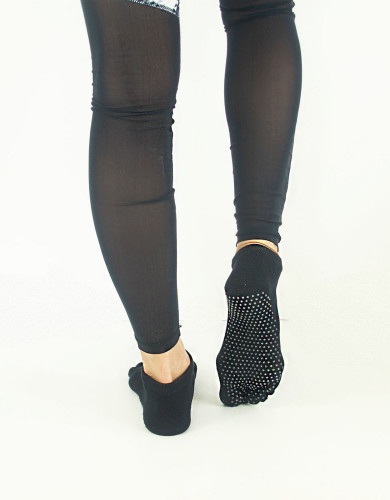 מוצרי My-O-My לנשים My-O-My anti slip yoga socks - שחור